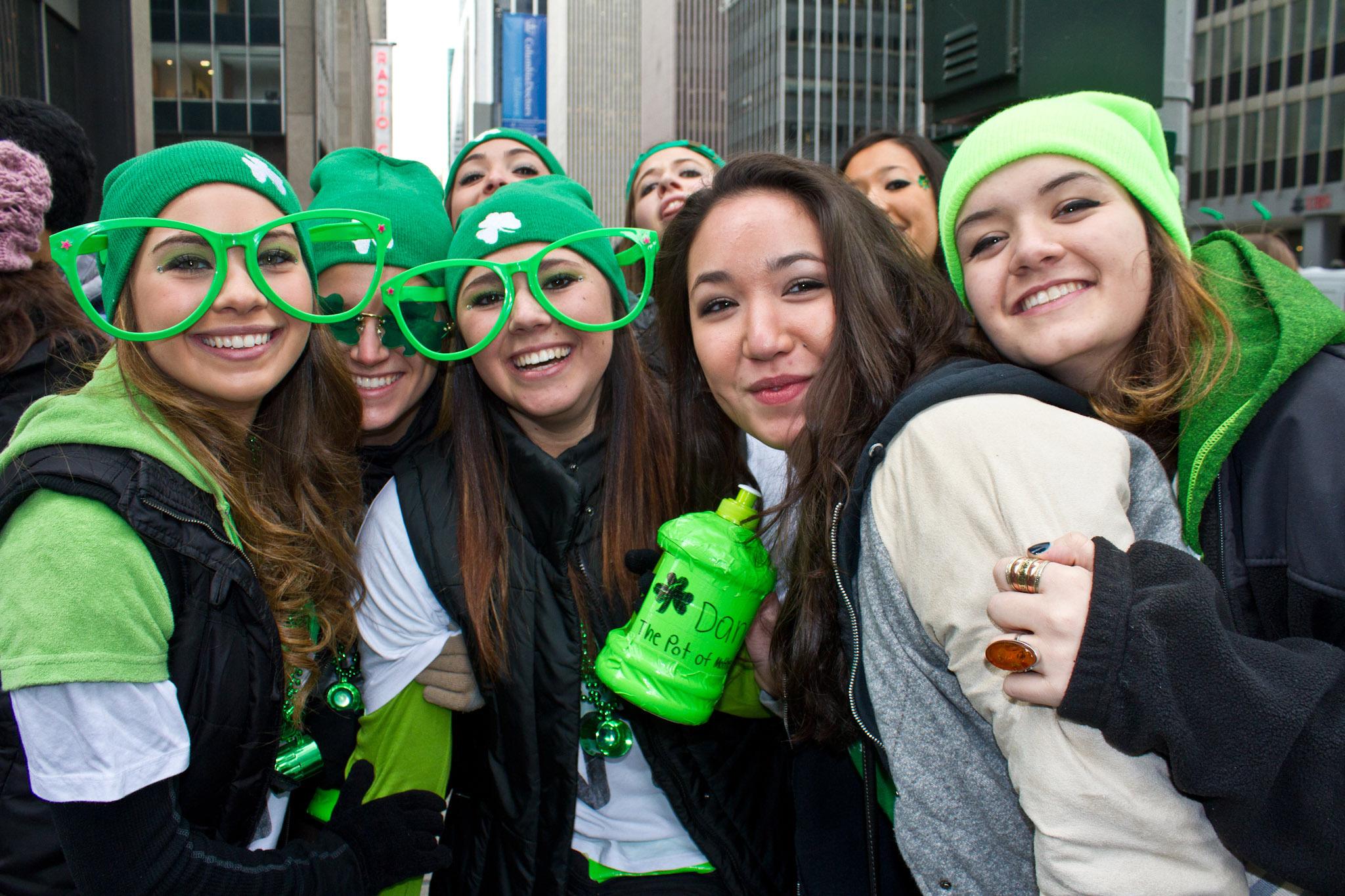 Drunk college girls Nude Photos 29